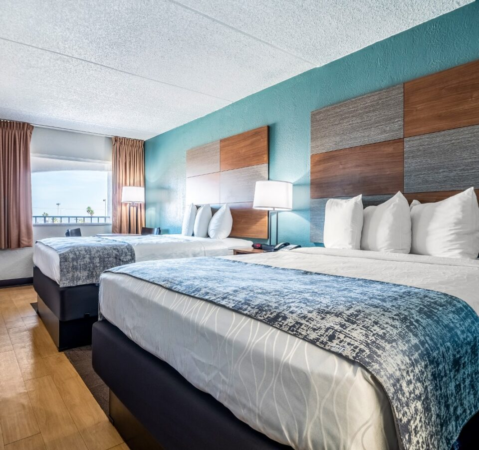 2 Queen Beds Ocean view